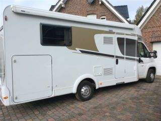 Very spacious motorhome with 4 sl.pl., wo single beds 2.10