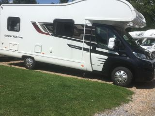 luxury 6 berth motor home hire