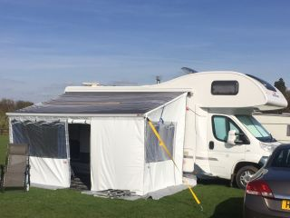 Luxurious 6 Berth Motorhome - Cheshire based