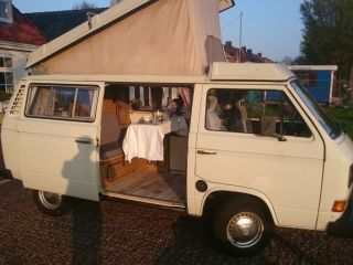 Taeke – Charming Volkswagen Westfalia Joker T3 with lifting roof