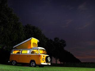 Een van de 6. – Schitterende VW T2 Westfalia