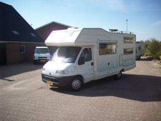 Riviera - Moderne camper voorzien stapelbed en zonne-energiesysteem!
