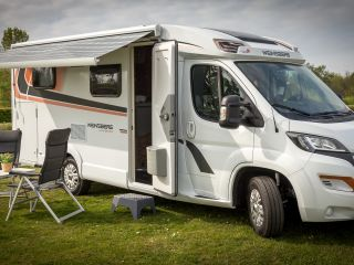 1) Luxury 2017 camper with many extras!