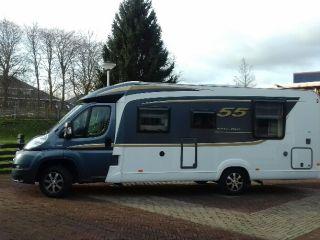 Complete luxe camper met Queensbed