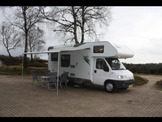 """""""Roos"""" – 6 person camper with XL garage - Spacious and fully equipped"""