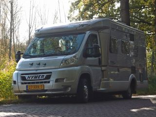 With this sporty camper the journey is the goal.