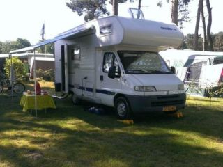 #4 Fiat Ducato Chausson Welcome 4 met 2 Stapelbedden  (Camper 4)