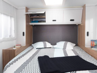Luxury 5 Berth Motorhome (Londen)