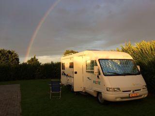 Complete camper met veel leefruimte