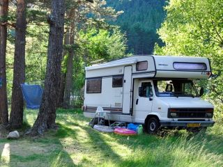 Knusse hut – Charme-camper voor het hele gezin, volledig gepimpt!