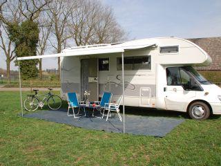 1 – 1 ford rimor 6 person camper