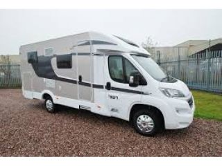 Spacious 2-person camper with separate, fixed beds / CSB3