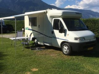De Chausson – Beautiful 2 person compact Chausson camper