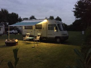 Compact and well maintained 4 pers. Hymer camper with towbar.