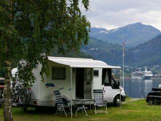 """Star"" – Lekker compacte semi-integraal camper"