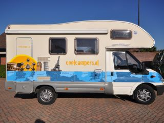 Compact family camper