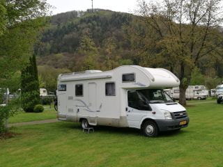 Sehr Luxus 7 Personen Alkoven Camper von 2008 mit 2 Etagenbetten. (Wohnmobil 2)