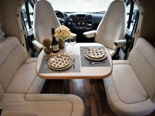 Beautiful, luxurious Hymer family camper 😍