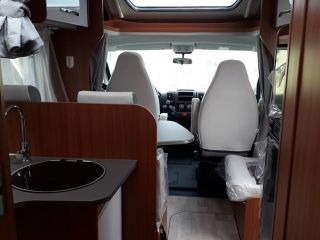 Hymer, Etrusco QB7400 motorhome - No KM levy VA 3 weeks rental