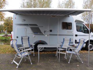 Mooie compacte Knaus 4-pers camper met XXL-garage