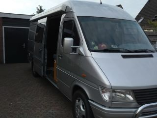 """""""Olly"""" – Camper """"Olly"""" 2 pers. bus camper - Fully equipped - Rear corner"""