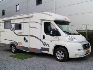 Adriaan, een Adria Sport S 577SP met queensbed!