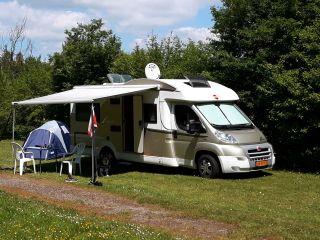 Nette, complete en comfortabele gezins-camper