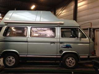 Dofijntjes camper – Practical Volkswagen Westfalia T3 bus camper with high roof