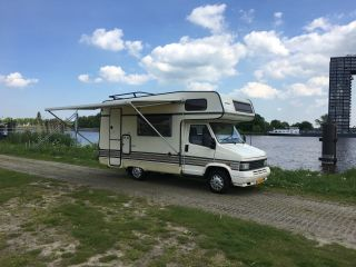 Theo – Mooie 5persoons camper van alle gemakken voorzien