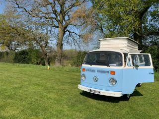 Bertie – Huur Bertie, onze 1973 Volkswagen T2 Baywindow Campervan!