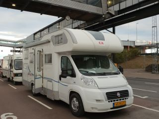 Adria Coral 660 sp – Luxurious spacious 2/5-person Adria alcove camper with powerful engine