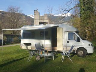Globetrotter – 4-persoons ruime camper volledig ingericht, airco/zonne energie