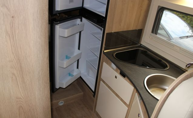 For rent: new semi intregraal, Citroen PLA
