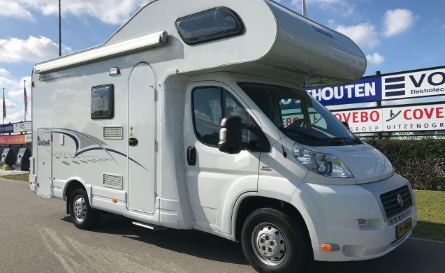 Complete & Compacte 6-persoons camper met stapelbed (Luxe)