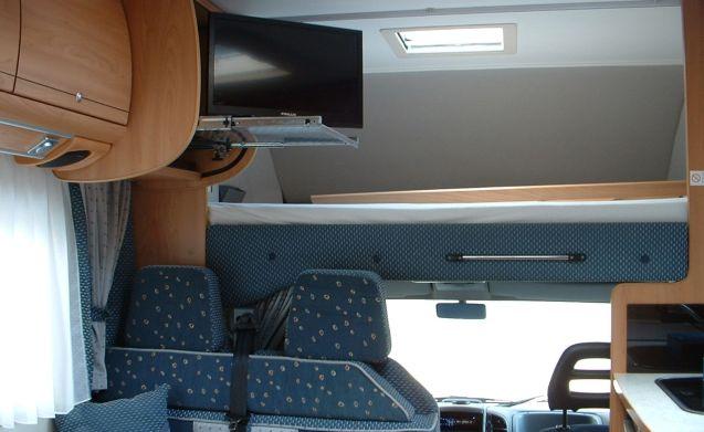 Very nice 6 person Burstner family camper inkl Airco cabin & camper