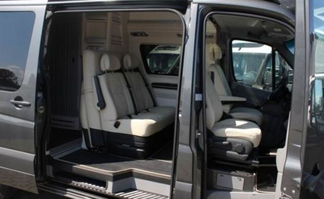 James – C driving license. James Cook Campervan - Ultimate Luxury with Compact Dimensions