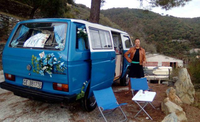 Wild – Hippy Van 1989 con cucina, bagno, doccia esterna!