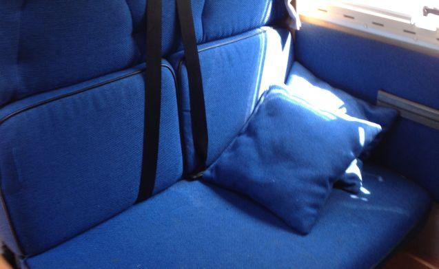 vrijheid op wielen  – sehr komplett mit XXL Garage 2x2persoons großen Betten