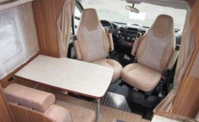 Compact Carado T135 BJ 2018