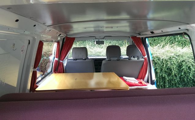 Beach – Beach - Cozy and robust VW T4 campervan