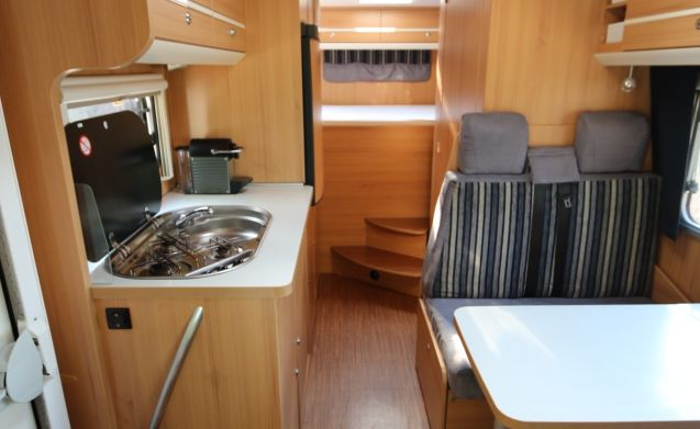 Nice complete family motorhome rental!