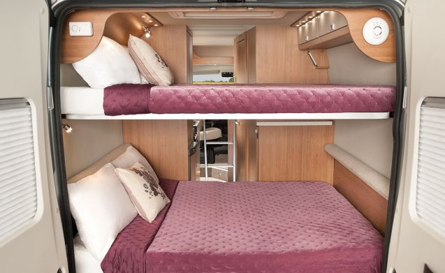Vehicle 2 – Nieuw vormgegeven 2019 reg Tribute 669 campervan (V1)