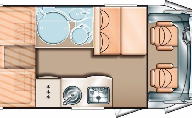 Geräumiger Camper für 3 Personen, Einzelbetten / CSB3