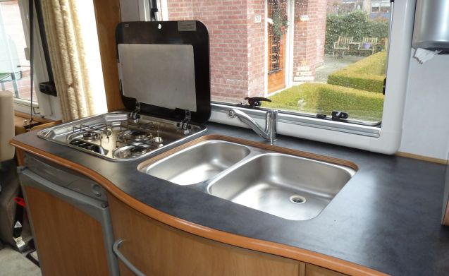 Beautiful Hymer integral round seat. Dog for a competitive price