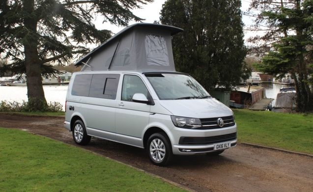 Vw Campervan 2017 >> Rent This Volkswagen Motorhome For 5 People In Desford From 160 00