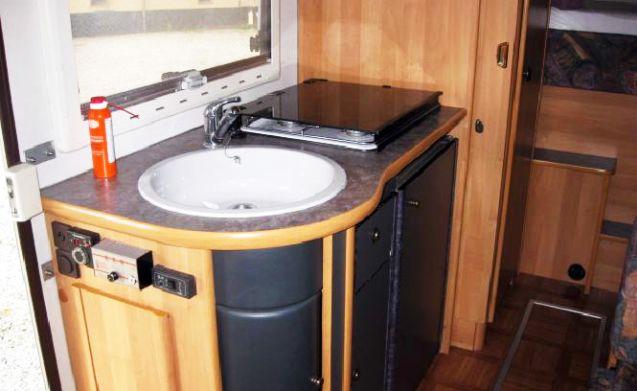Weinsberg geräumige Familien Wohnmobil mit Querbett und Hubbett! Lieferung ist möglich
