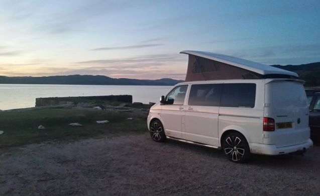 VW T5 3/4 Berth Campervan Hire