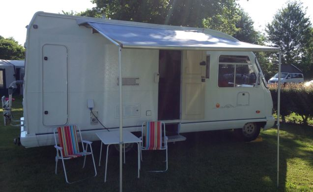 4 person camper (€ 500 deposit) very spacious so for 2 people