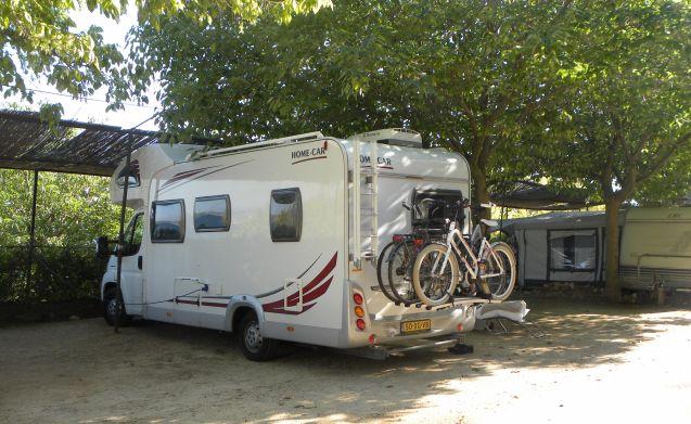 Ruime en complete camper voor een nette prijs