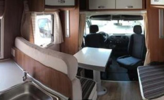 B-type – Semi-integral camper model 2017 200 free extras